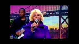 Vanessa-Bell-Armstrong-Singing-Her-Song-Off-The-Sitcom-Amen-attachment