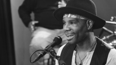 Kirk-Franklin-Just-For-Me-In-Studio-Performance-attachment