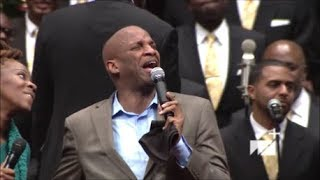 LeAndria-Johnson-and-Donnie-McClurkin-Powerful-Duet-At-West-Angeles-COGIC-HD-attachment