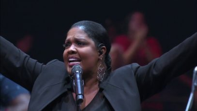 Michael-W.-Smith-King-of-Glory-ft.-CeCe-Winans-LIVE-CONCERT-VIDEO-attachment