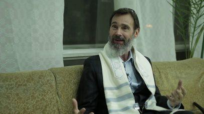 Rabbi-K.A.-Schneider-in-Kiev-Ukraine-attachment