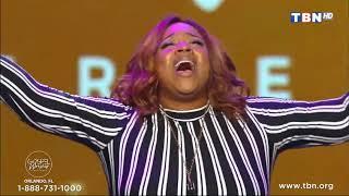Kierra-Sheard-Live-At-Gospel-Worship-Experience-attachment