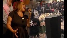 Kierra-Sheard-sings-Medley-that-BAND-is-on-fire-attachment