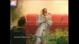 Norman-Hutchins-Live-in-Antioch-Ca-From-the-Its-your-season-CD-attachment