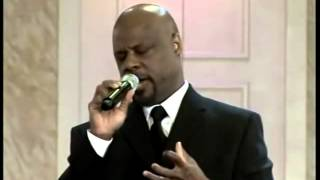 Wintley-Phipps-sings-How-Great-Thou-Art-live-attachment