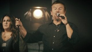 Casting-Crowns-Thrive-Live-attachment