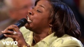 Beverly Crawford – Can't Nobody Do Me Like Jesus [Live]