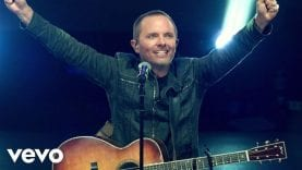 Chris Tomlin – How Great Is Our God (Live)