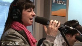 """K-LOVE – Meredith Andrews """"Can Anybody Hear Me"""" LIVE"""