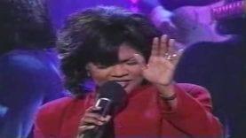 """Kirk Franklin feat. CeCe Winans–""""Love""""–(Live)"""