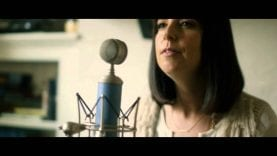 Meredith Andrews w/ Mia Fieldes – Deeper (Live + Acoustic)