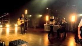 Skillet – Yours to Hold (Live)