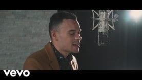 Tauren Wells – Hills and Valleys (Acoustic Video)