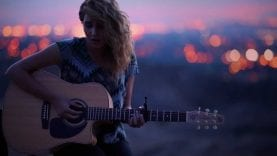 Tori Kelly – All In My Head (Live Acoustic)