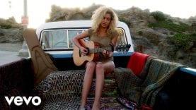 Tori Kelly – Beautiful Things (Vevo LIFT)
