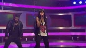 "Michelle Williams – ""On the Run"" (Live: OK! TV, 2011)"
