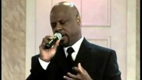 Wintley Phipps sings How Great Thou Art live