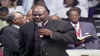 Bishop-T.D.-Jakes-Preaching-At-The-COGIC-Holy-Convocation-In-Memphis-attachment