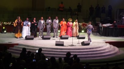 DONALD-LAWRENCE-Full-Concert-@-Christmas-In-July-2019-Fallbrook-Church-attachment