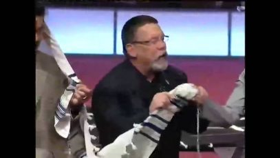 Larry-Hutch-The-Torah-Blessing-attachment