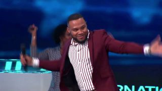 Todd-Dulaney-Powerful-live-performance-at-the-2019-International-Faith-Conference-attachment