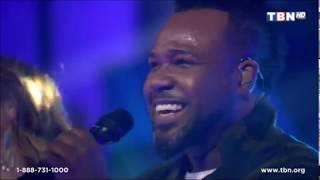 Vashawn-Mitchell-The-Binions-singing-on-TBN-Praise-attachment